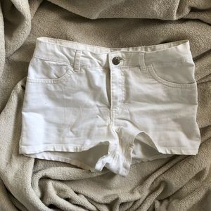 white h&m divided mid-rise shorts